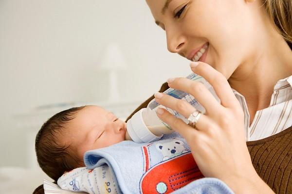 P1: Tại sao mẹ lười cho bé bú sữa?