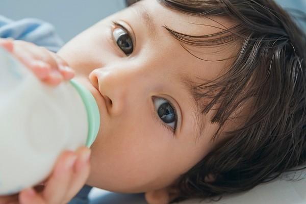 """P1: Mẹo chọn váng sữa """"chuẩn"""" cho trẻ"""