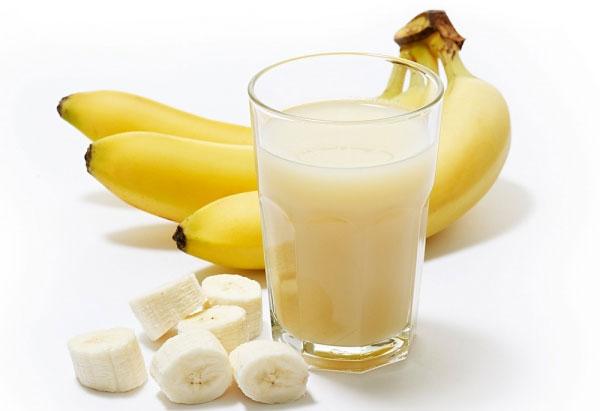 """Uống sữa tươi để """"chữa bệnh"""""""