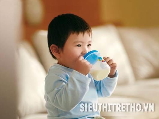 Sữa bột Cô gái Hà Lan step 2 900g