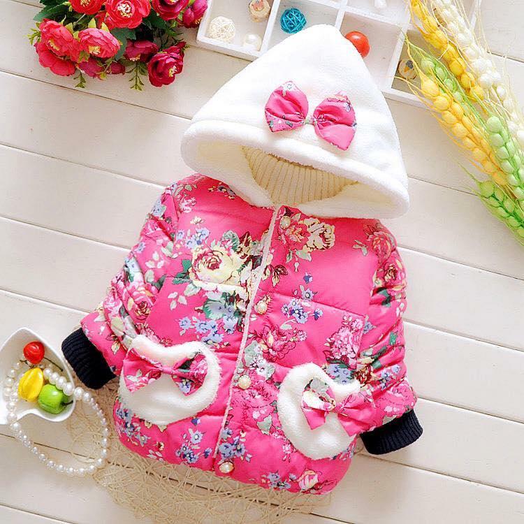 Áo khoác choàng lông màu hồng xinh xắn