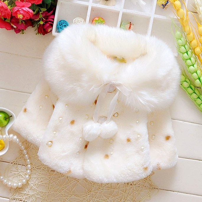 Áo choàng lông cổ ấm màu trắng xinh xắn