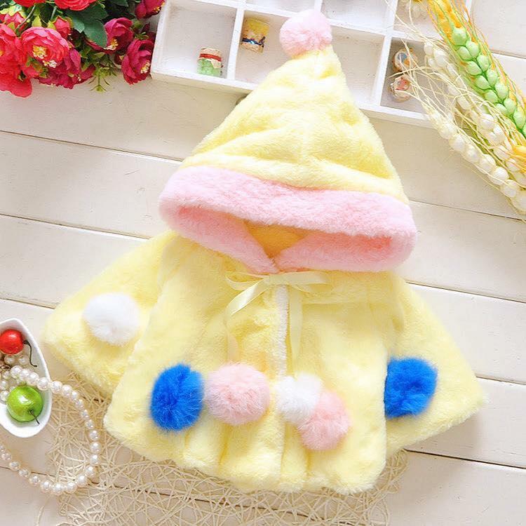 Áo choàng lông bé gái màu vàng xinh xắn