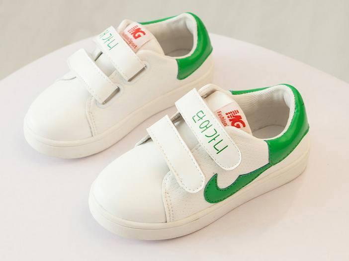 Giày thể thao cho bé độc đáo