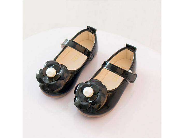 Giày bé gái đính hoa xinh xắn